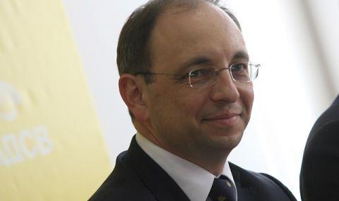 Николай Василев: Изхарчиха се поне 4-5 млрд. излишни лева!
