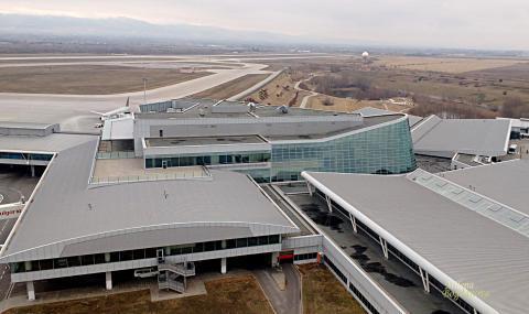Увеличава се броят на анулираните полети от София