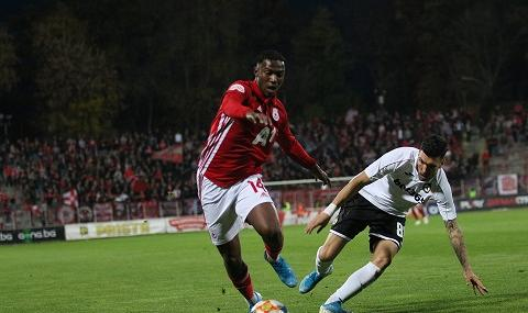 Бивш играч на ЦСКА: В България ме обиждаха на расова основа по три пъти на мач