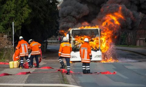Градски автобус гръмна насред Белград