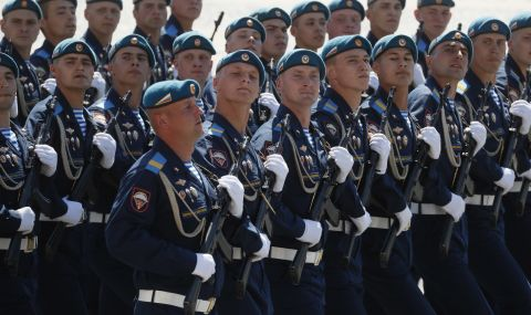 Нещо се случва! Има движение на руски войски по границата с Украйна