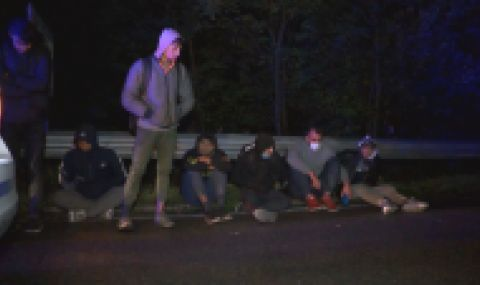 Хванаха над 20 нелегални мигранти край Мъглиж - 1