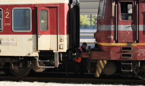 Възстановиха движението на влакове край Белово – 24 часа след инцидента