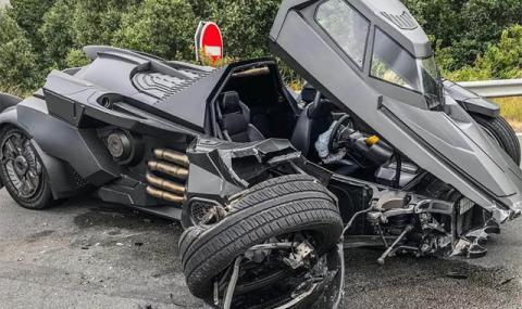Батмобил за €1 млн. катастрофира тежко