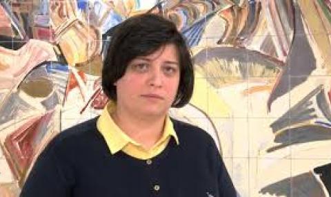 Диана Русинова: Обадете ми се, ако не ви пуснат навън за неплатена глоба