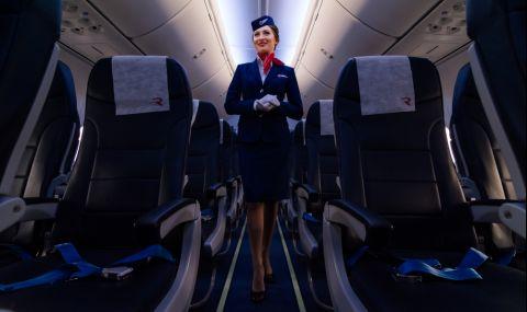 Стюардеса предизвика възхищение в мрежата с танц в самолета (ВИДЕО)