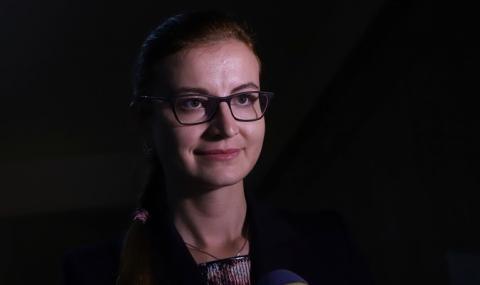 Симона Велева: Няма как актовете на МС да са в риск