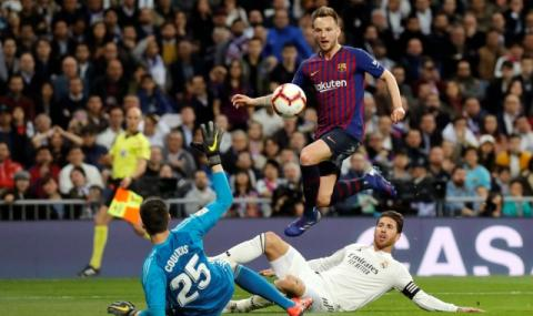 Барселона заменя Ракитич за Бернадески?