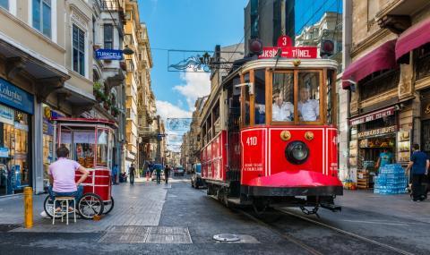 Безплатен транспорт за майките в Истанбул