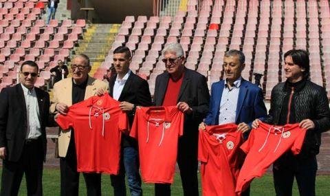 Легенда на ЦСКА призова феновете да се извинят на Стойчо Стоилов - 1