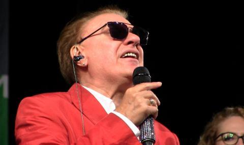 Концертът на Васил Найденов се отлага за декември
