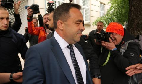 Повдигнаха обвинения на зам.-министър Живков и братя Бобокови