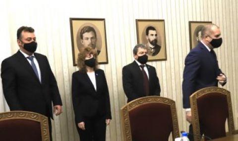 Радев връчва мандат за правителство на