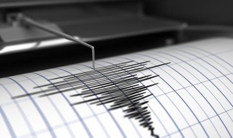 Земетресения в Албания и Карибско море изкараха хора по улиците