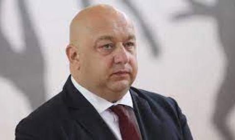 Кралев: Клеветници като Кутев са твърде дълго в политиката