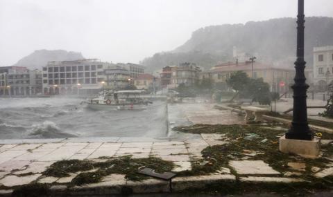Силен циклон удари гръцките острови