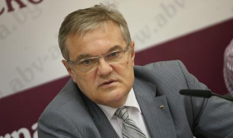 Румен Петков: Борисов може да е медиатор между рушвета и нощното шкафче