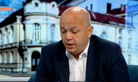 Симов: Парламентът прилича на психиатрия, останала без лекарства - 1