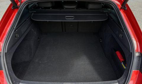 Тествахме VW Arteon Shooting Brake. Може ли едно комби да е стилно и практично? - 24