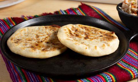 Рецепта на деня: Плоски хлебчета с билки на тиган
