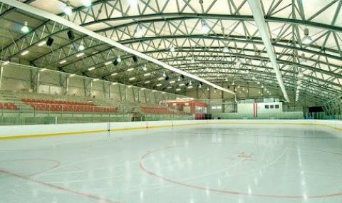 Превръщат хокейна зала в морга