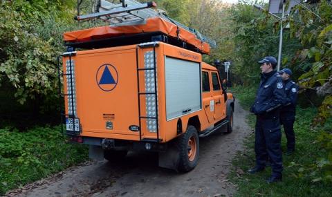 Свлачище затрупа двама туристи-англичани край Крушунските водопади - 2