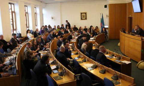 Общинският съвет отхвърли предложението на БСП за проверка на павилионите в София
