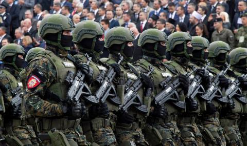 Колона военни от Сърбия тръгна към Косово