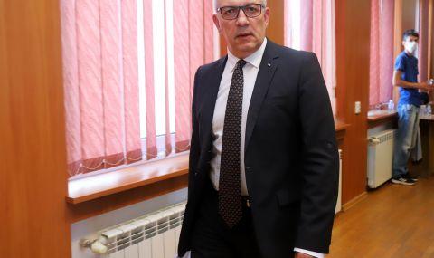 Спортният министър: Не е ясно къде е половината от бюджета ни - 1