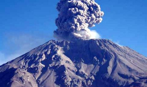 Евакуация в Перу заради вулкан (ВИДЕО)