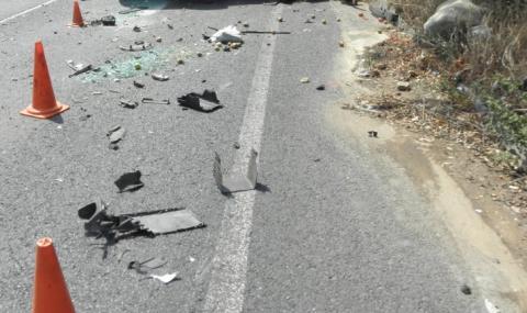 """Кола с турски граждани излетя от АМ """"Тракия"""""""