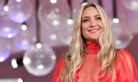 Холивудска актриса провокира с прозрачна рокля  - 1