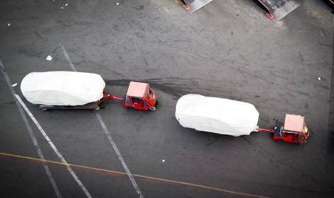 Дрон засне загадъчни модели във фабриката на Tesla (ВИДЕО)