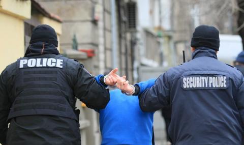 В Горна Оряховица простреляха охранител, нападнал медици и полицаи с нож