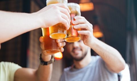 Тежка загуба! Заради пандемията 1 милиард халби наливна бира са изтекли в канализацията