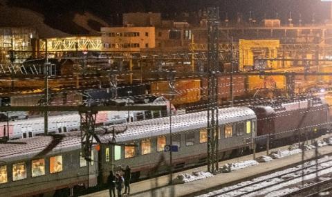 Австрия пуска нощни влакове за социални работници от Румъния