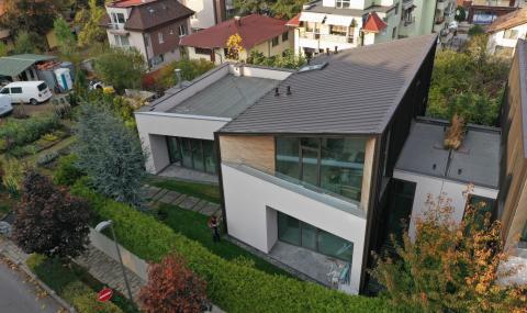 Предизвикателството да построиш нов дом