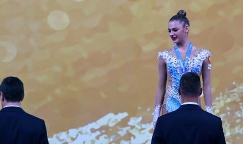 Шампионка по художествена гимнастика си сряза вените