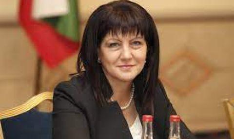 Караянчева поиска тестово машинно гласуване в Кърджали