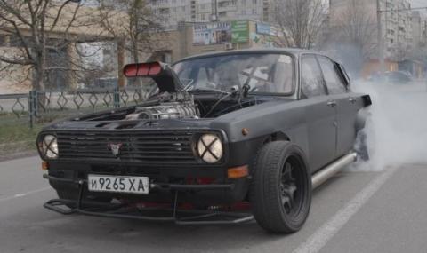 """Нещо, което не сте виждали: Волга с V8 мотор, наричана """"Цербер"""""""