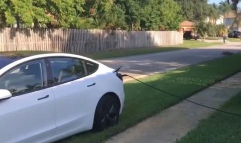 Как собственик на Tesla Model 3 краде ток