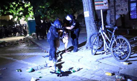 Отворено писмо до вътрешния министър: Да бъдат разкрити полицаите, били граждани и журналисти на протестите