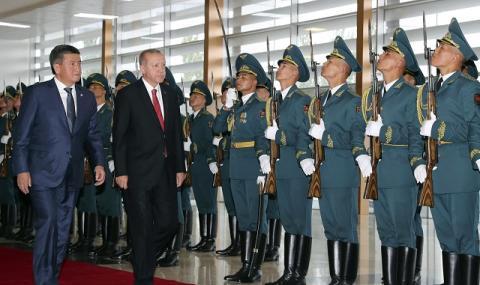Анкара търси съюзници срещу ФЕТО (СНИМКИ)