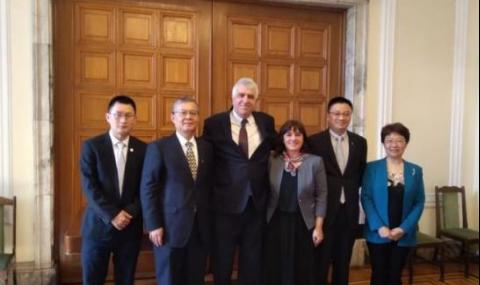 Проф. Гечев се срещна с делегация от Китайската академия по обществени науки