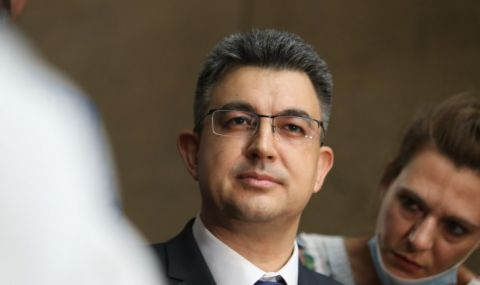 """Григор Лилов: Кандидат-премиерът го нямаше в регистрите като д-р, добавиха го """"на пожар"""" - 1"""