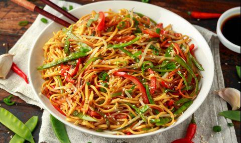 Рецепта за вечеря: Пълнозърнести нудълс със зеленчуци
