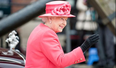 Книга разкрива скандални подробности за сексуалния живот на кралицата