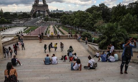 Париж и Марсилия са обявени за зони с повишен риск от COVID-19