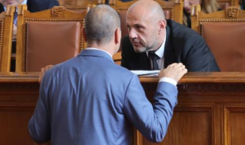 Дончев отвърна на Цветанов: Апартаментът му съм го виждал само на картинка, не се занимавам с интриги