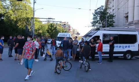 Протестите в София продължават. Промени в градския транспорт